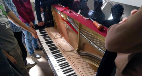 upright_piano_action_UNSA_2.jpg
